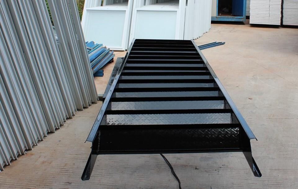 活动板房楼梯2
